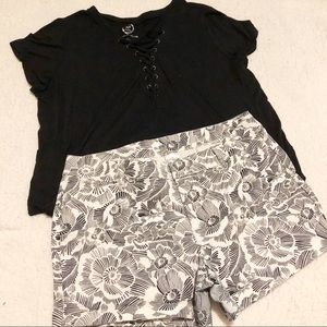 Old Navy Black and White Floral Print Shorts